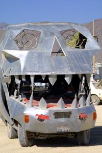 skullcar.jpg