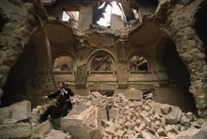 A gamba tesa: nessuno tocchi la Biblioteca di Sarajevo