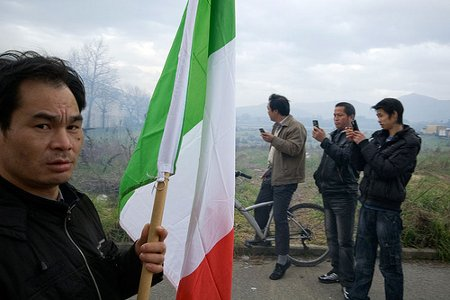 Cinesi in Italia: cittadinanza e illegalità