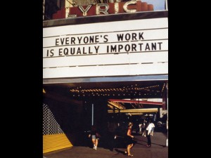 Sui Truisms di Jenny Holzer