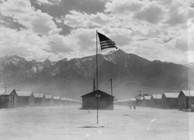 A dust storm hits Manzanar Relocation-Center in California on July-3-1942 - Dorothea Lange