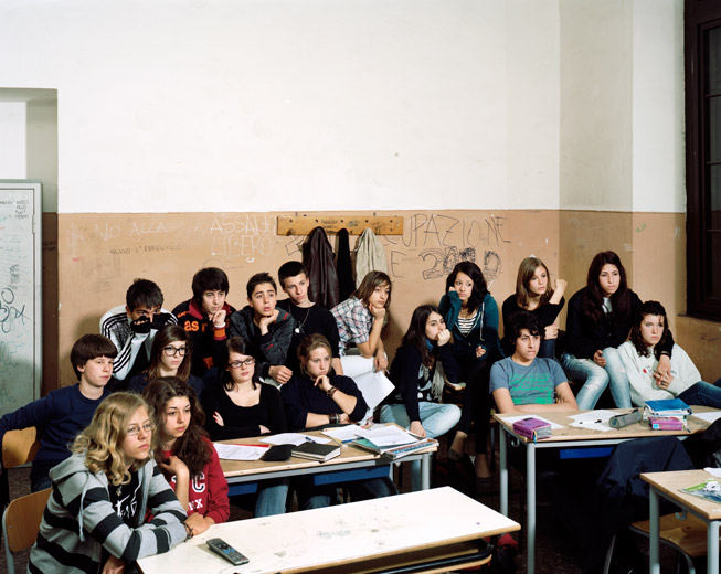 Raimond Wouda - Liceo Mamiani, Roma 2011 -  fotografia tratta dalla serie Mentre tutto scorre (2010-2012)