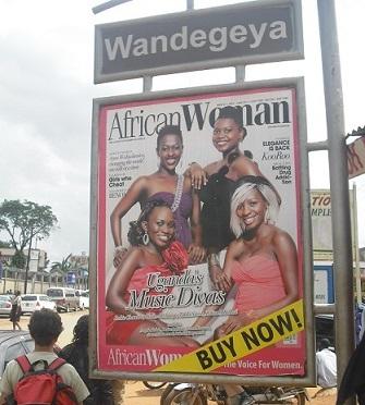 Pubblicità di rivista femminile a Kampala.