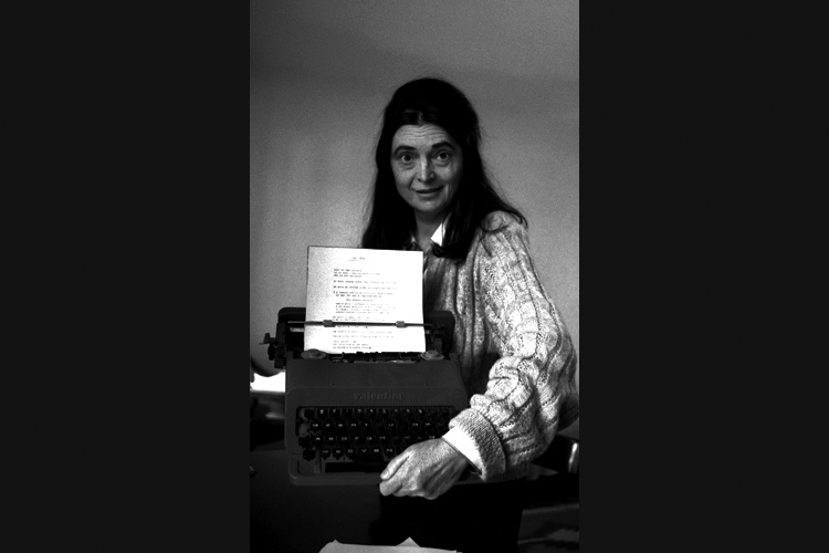 04-Ida-che-scrive copy