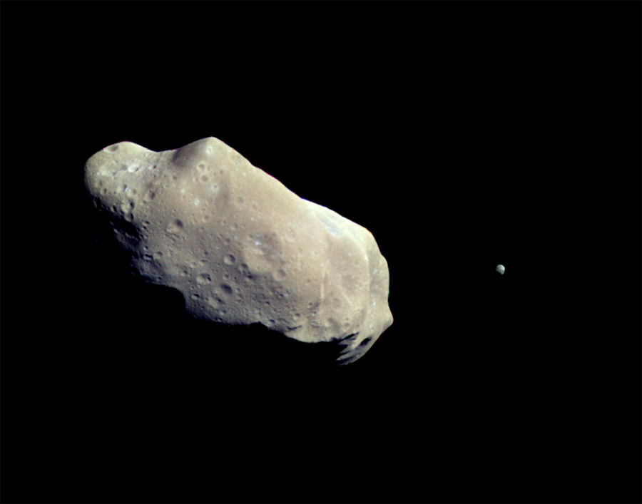 asteroid-and-moon-9 ida e dactyl visti da galileo
